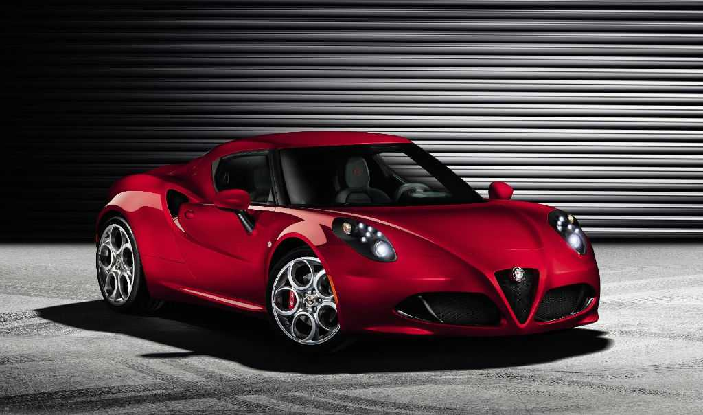 Alfa Romeo 4C Front-w1024