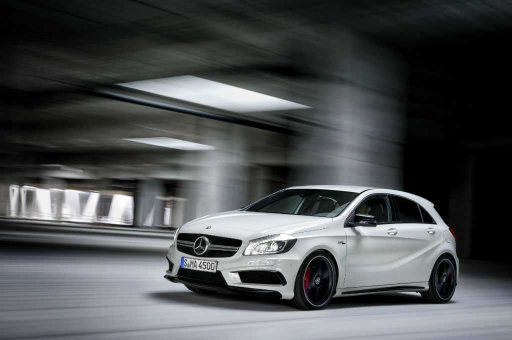 Meredes A45 AMG Front-w1024