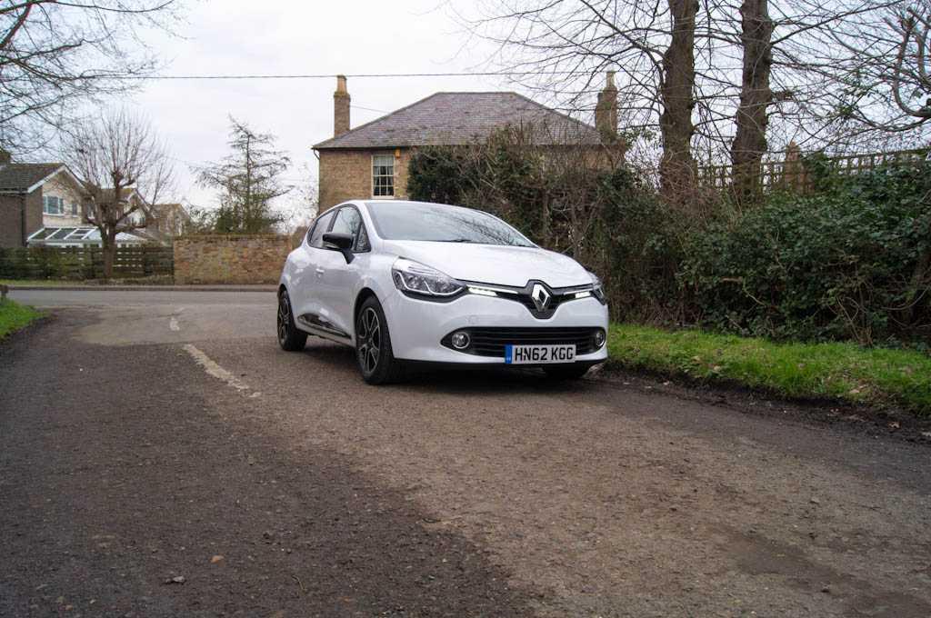 Renault Clio – New Va Va Voom?, The Non-Modern Man   Unfashionablemale