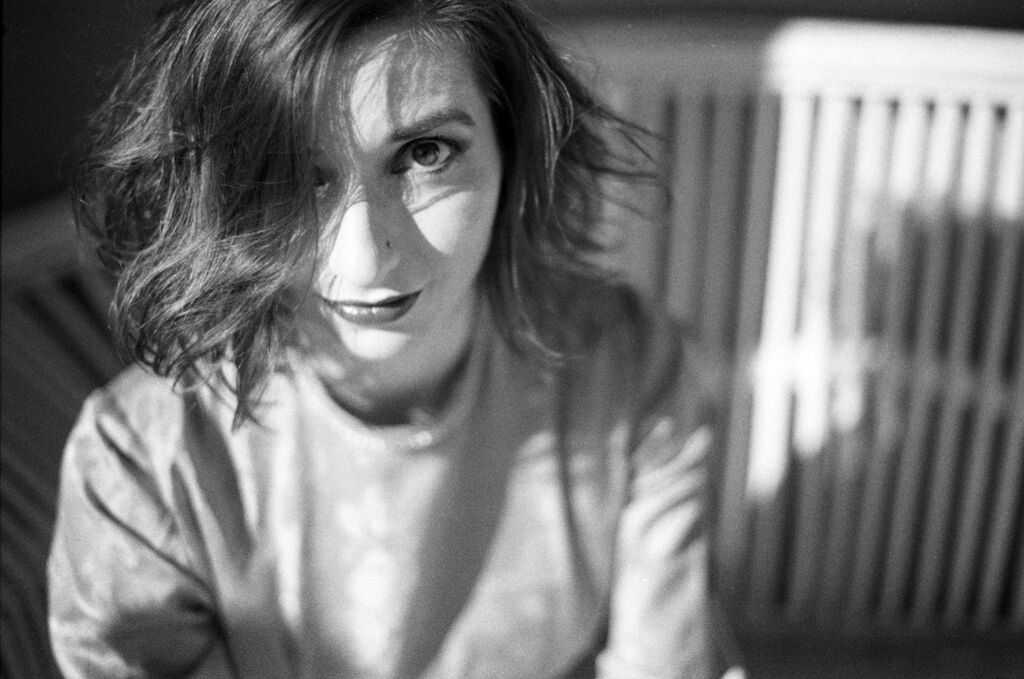 New video: Helen Perris – 'Mirrors & Windows', The Non-Modern Man | Unfashionablemale