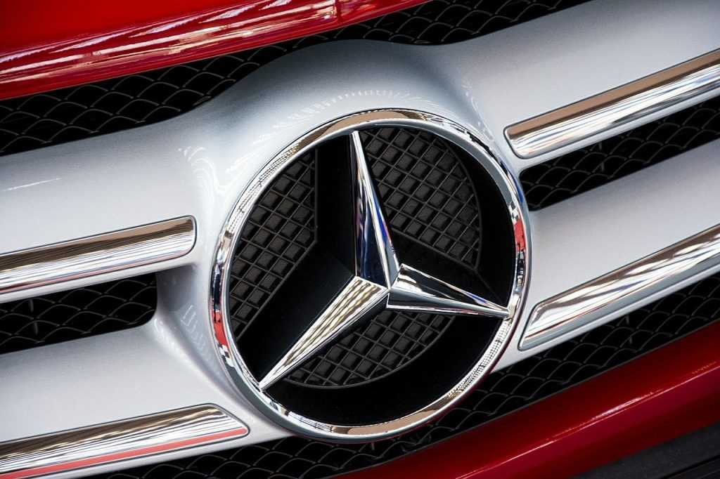 """Mercedes Wants To Put """"Organic Batteries"""" In Its Vehicles, The Non-Modern Man 